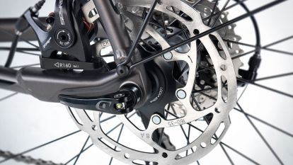 TRP disc brake and QR12 thru axle