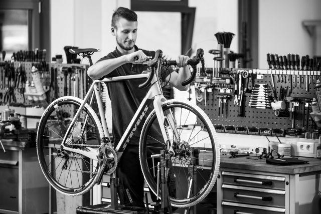 """""""STEVENS bietet eine sehr gute Vormontage"""", so die Aussage der Fahrradhändler  im SAZ Bike-Ranking."""